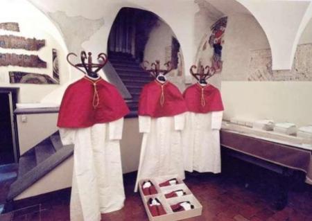 tres-sotanas