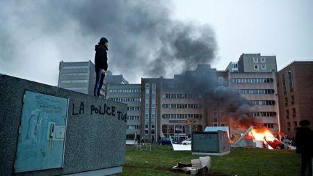 revuelta-paris-francia-campana-electoral_ediima20170214_0442_4