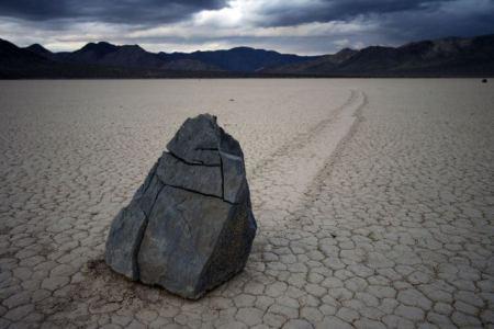 rocas_caminan_valle_muerta-1
