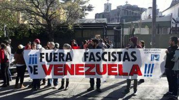 Resultado de imagen para La cuestión es impedir que el fascismo se adueñe de Venezuela