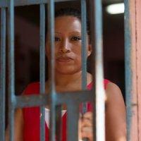 El Salvador: Reafirman la condena por homicidio a una mujer que tuvo un aborto involuntario