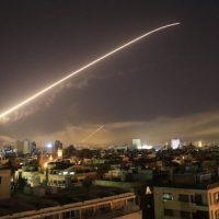 Sirian bizitzen ari den zalaparta militar zein mediatikoa | El ruido militar y mediático que se vive en Siria