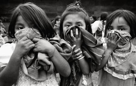 niñas zapatistas foto por Raúl Ortega