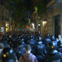 La represión de JuntsXCat y ERC vuelve a traer imágenes del 1-O en Catalunya